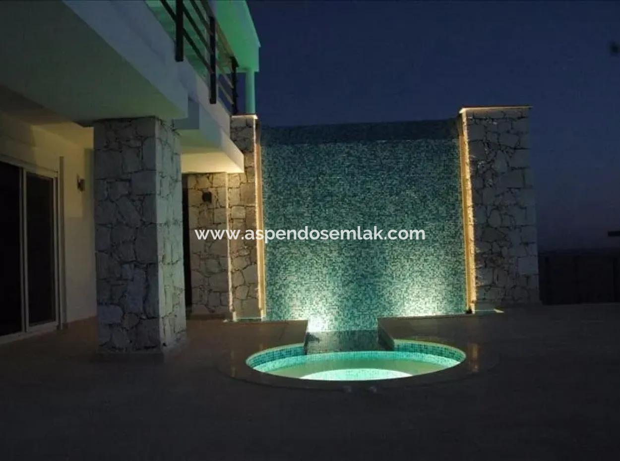 Villa Zum Verkauf-Meer-Villa Zum Verkauf Mit Aussicht Auf Das Meer Und Die Insel Meis. Nov