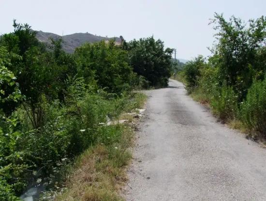 Land-Handlung Zum Verkauf Zum Verkauf In Oriya Yerbele 750M20