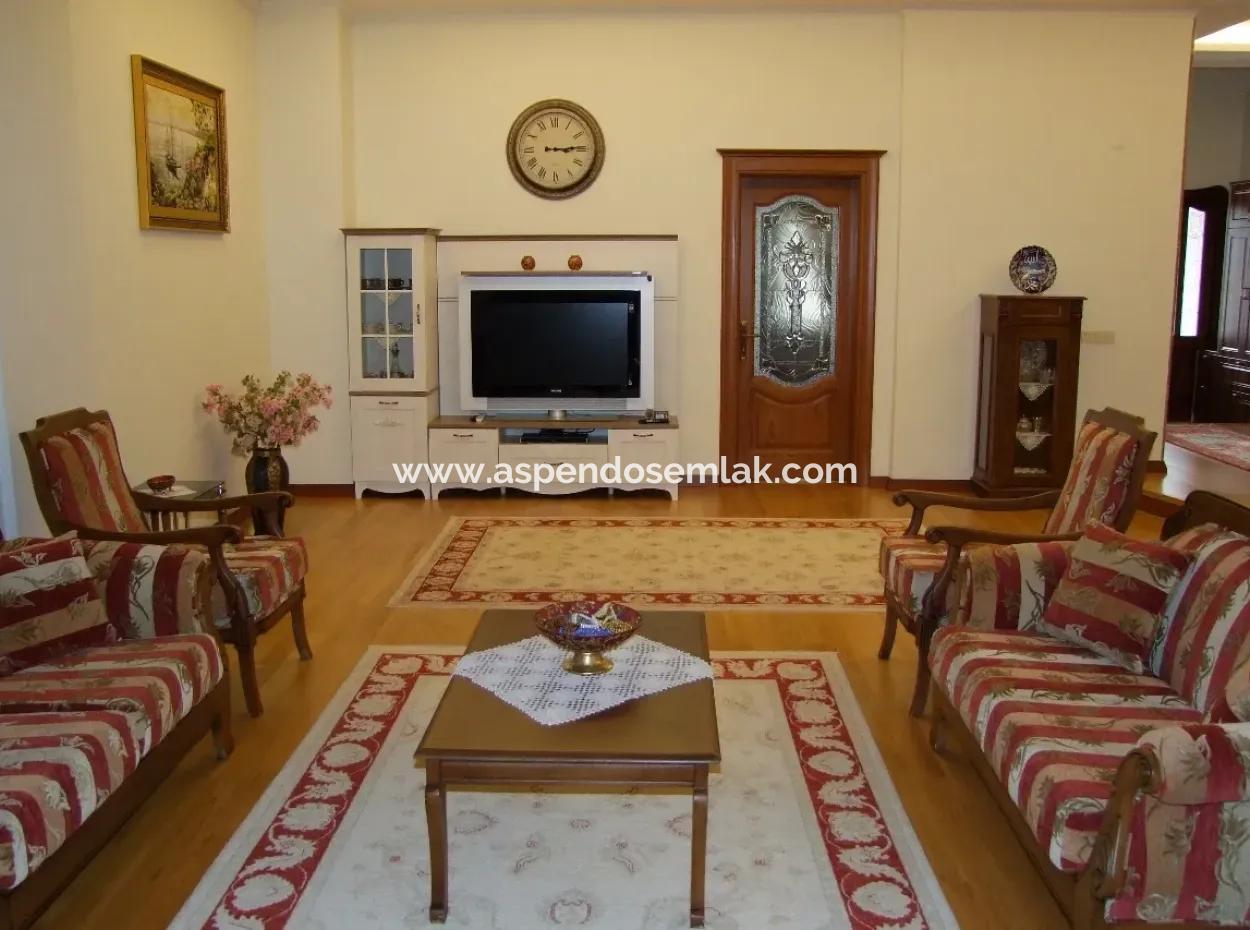 Ulada Satılık Lüks Villa Ulada 1078M2 Arsa İçinde Özel Yapılmış Satılık 4+1 Villa