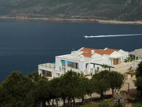 Kaş Denize Sıfır Satılık Villa Meyis Adasına Ve Deniz Manzaralı Satılık Villa