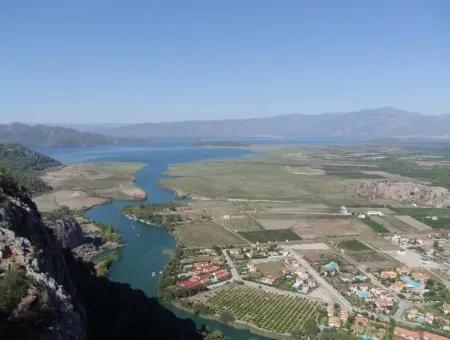 Dalyan'da Kanala Sıfır Satılık Arsa