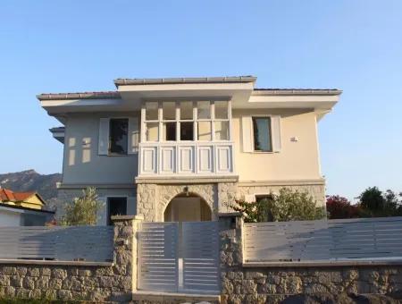 Dalyanda Satılık Villa 654M2 Arsa İçerisinde 4+1 Satılık Villa