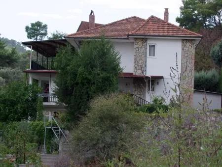 Çandır''da 5+2 Satılık Villa
