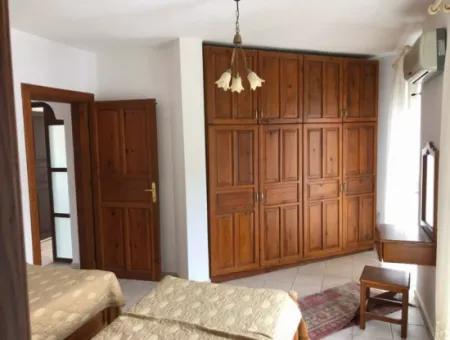 Dalyan Gülpınar'da 1100 M2 Arsa İçerisinde 6+1 Satılık Villa