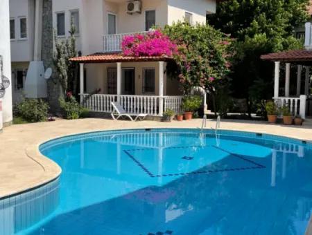 Dalyan Gülpınar Site İçinde 3+1 Satılık Villa